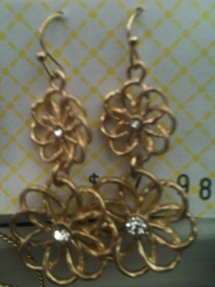 Gold Hanging Flower Earrings-